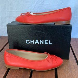 CHANEL Classic Bow Cap Toe Flats EU 38C US8